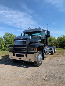 2019 Mack 64T Day Cab